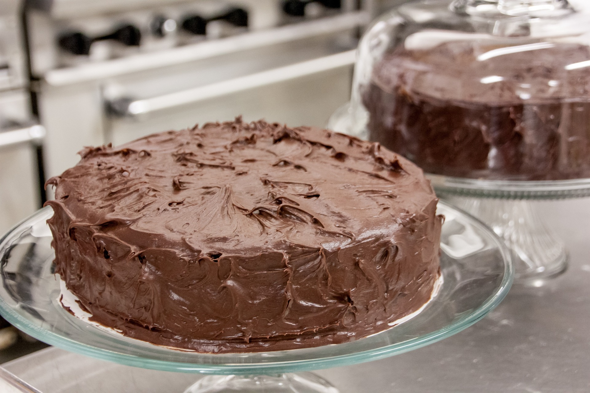 2 Decadent (but organic) Chocolate Frosting Recipes: Whipped and ...