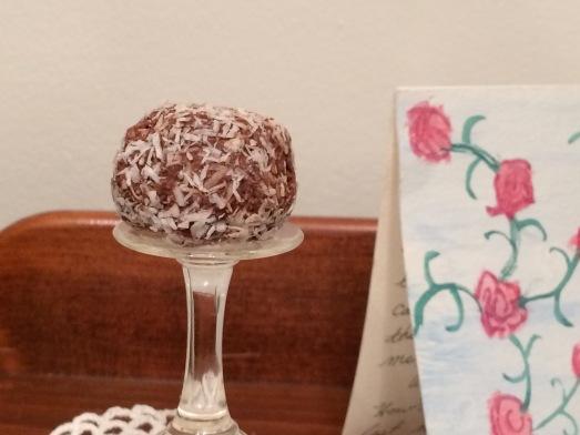 Raw Vegan GF Chocolate Coconut Macaroon Balls